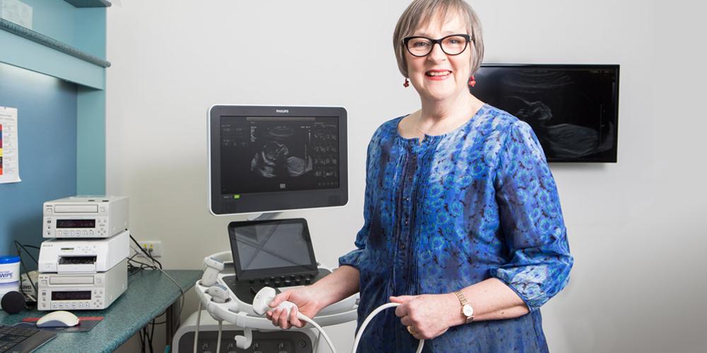 Dr Amanda Sampson