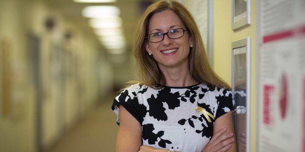 Dr Sarah Holdsworth-Carson